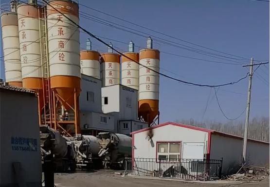 河北枣强:违法搅拌站污染老沙河 环保局监管缺位