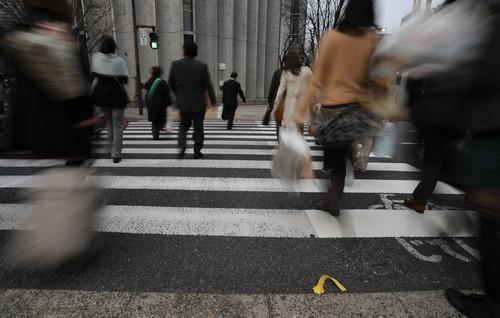 男子在日遇假警察 导致1.9亿日元被盗走现警方已介入调查