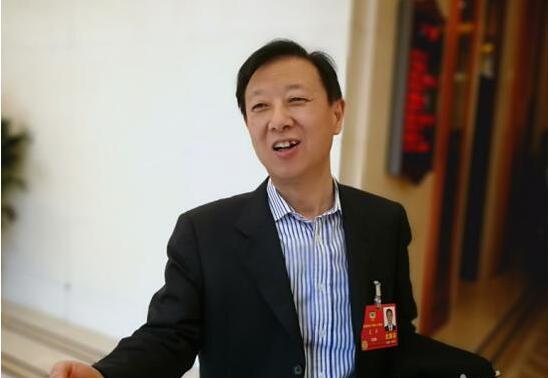 证监会副主席遭围堵:记者追的不是我,是中国股市