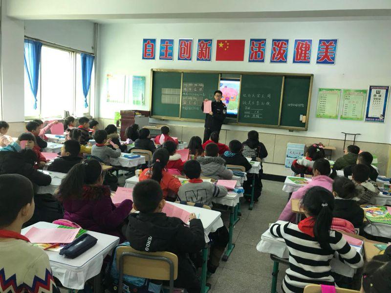 西丰县迎接开学季校车安全检查进校园