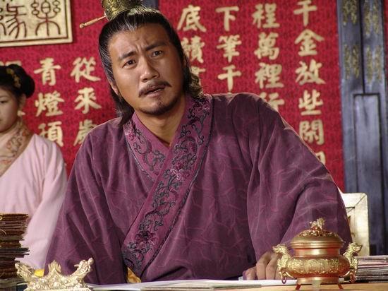 朱元璋问一死囚:你姓啥?死囚:我姓范!朱元璋大喜:你被赦免了