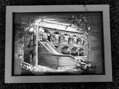 大学生钢笔画制成明信片售出8万张 作品被规划馆收藏