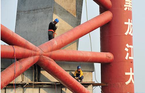 黑龙江大桥复工建设 建成后年货运量可增长十倍