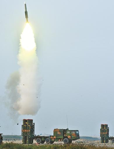 """空军""""蓝盾-18""""地面联合防空演习打响"""