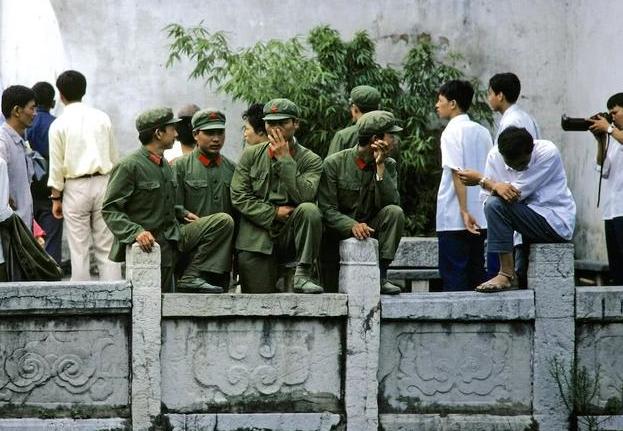 老照片:近代中国重要经济中心,1980年的武汉,有你城市的缩影?