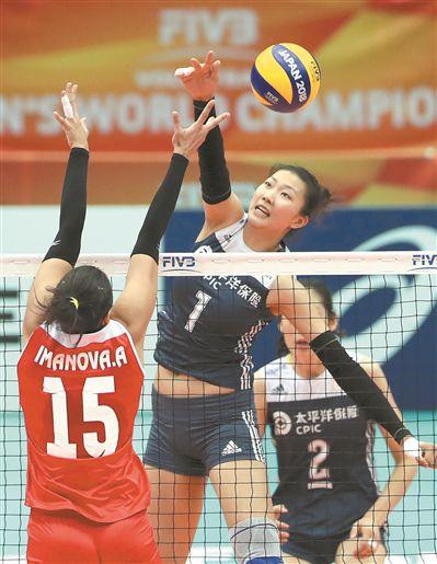 """世锦赛中国女排强势两连胜 郎平开始""""玩命""""了"""