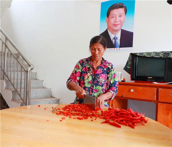 广安区:第一书记出点子 农产品网上俏销