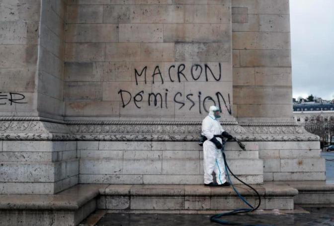 法国考虑出动部队保护巴黎地标性建筑