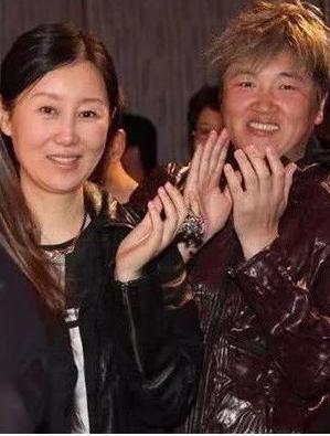 女主持的老公不好当:王岳伦被指生活奢靡,张杰秀恩爱遭粉丝反对