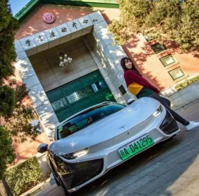"""这台中国制造的""""超级跑车"""",售价不高,回头率却超高!"""