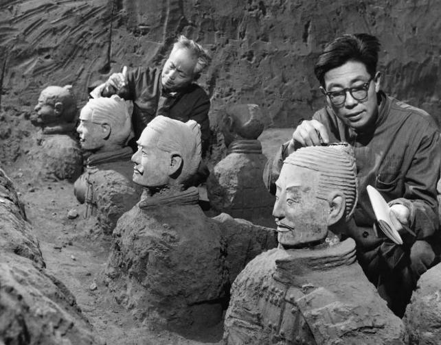 历史上的今天:陕西农民发现秦兵马俑 中国奇迹惊艳全球政要
