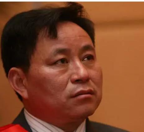 他靠烂尾楼发家攒295亿成宁波首富,旗下公司资不抵债遭退市