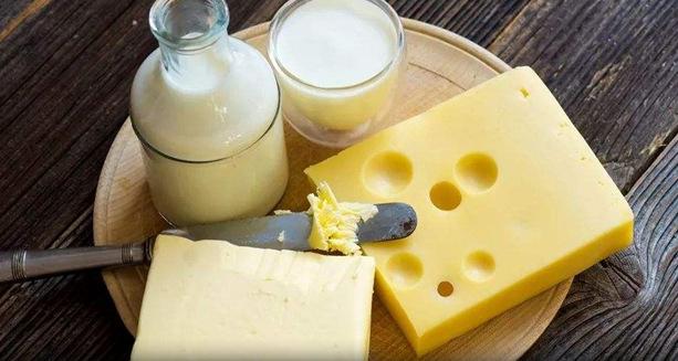 新研究:吃奶酪有助控制血糖水平