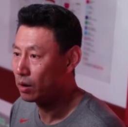 李楠:周琦高且传球好,有机会还让他发球