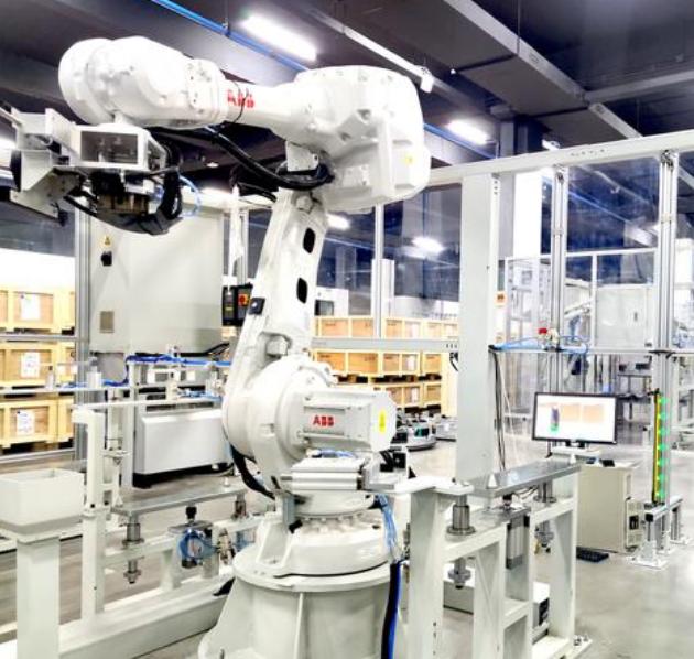 """""""机器人生产机器人""""的工厂亮相,投资大几千万元,只有50名员工"""
