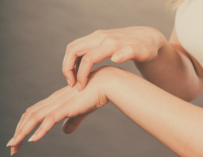 中医告诉你为什么会出现疼、痛、痒、酸、胀、麻、这些不适症状