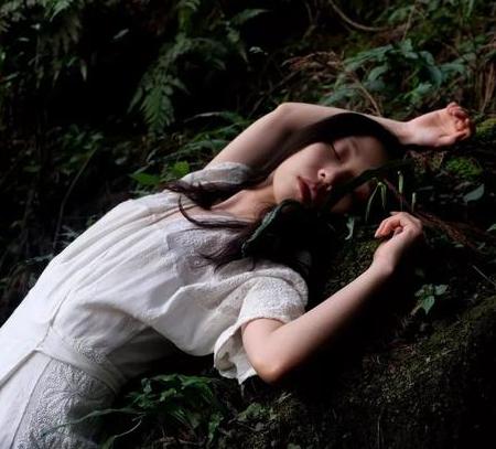那个死在集装箱的26岁越南少女,她经历的绝望你想象不到