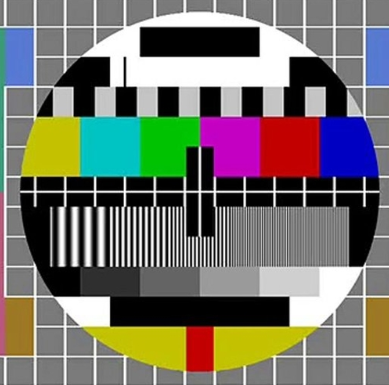 电视停台时出现的彩色图案为啥现在没有了?